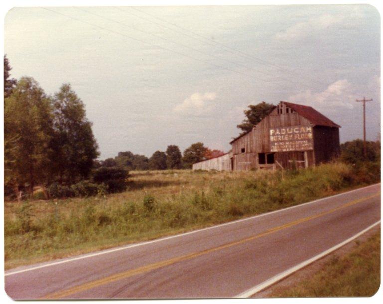Barn Near U.S. Highway 62 and Gholson Road